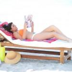 Tiffani Thiessen bikini 09