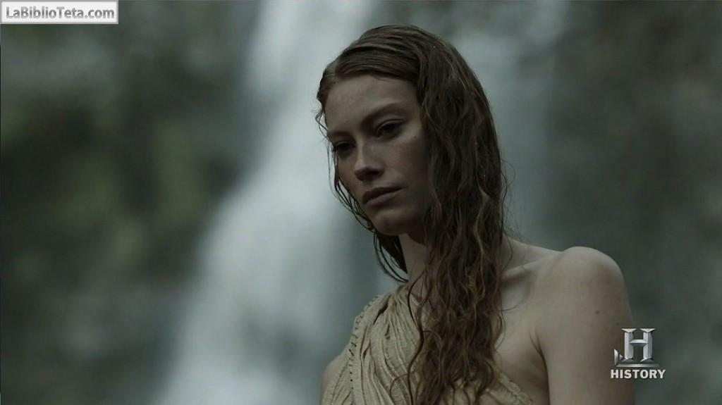 Alyssa Sutherland - Vikings 01