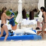 Cara Delevingne y Michelle Rodriguez topless 16
