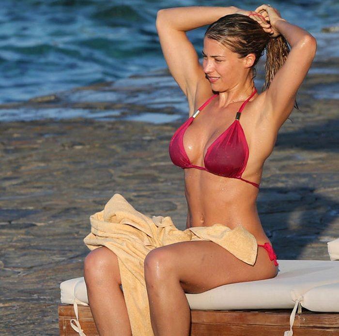 Gemma Atkinson bikini 01