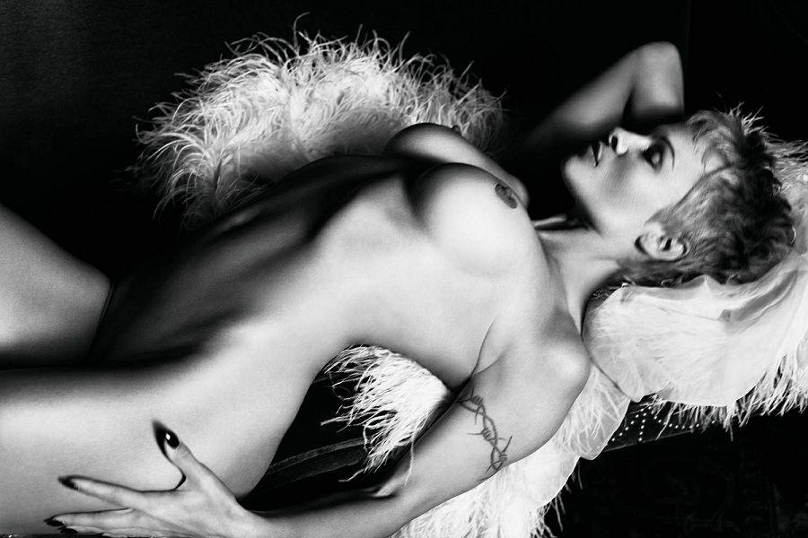 Pamela Anderson - PURPLE magazine 01