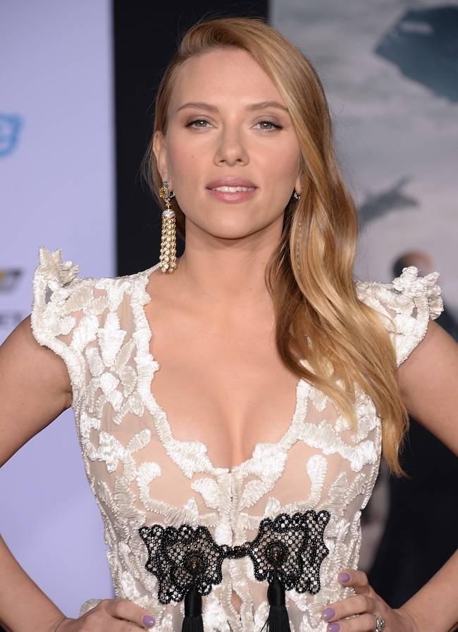 Scarlett Johansson - Captain America premiere 01