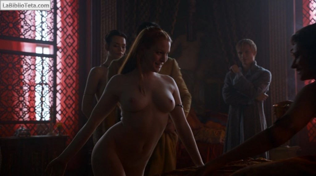 Josephine Gillan y Kristen Gillespie - Game Of Thrones 01