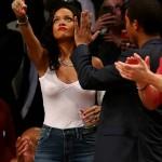 Rihanna Nets game 05