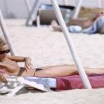 Elle Macpherson topless 09