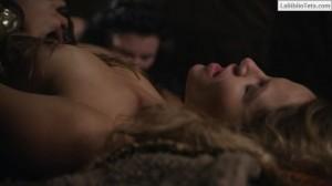 Ellen Hollman - Spartacus 3x01 - 02