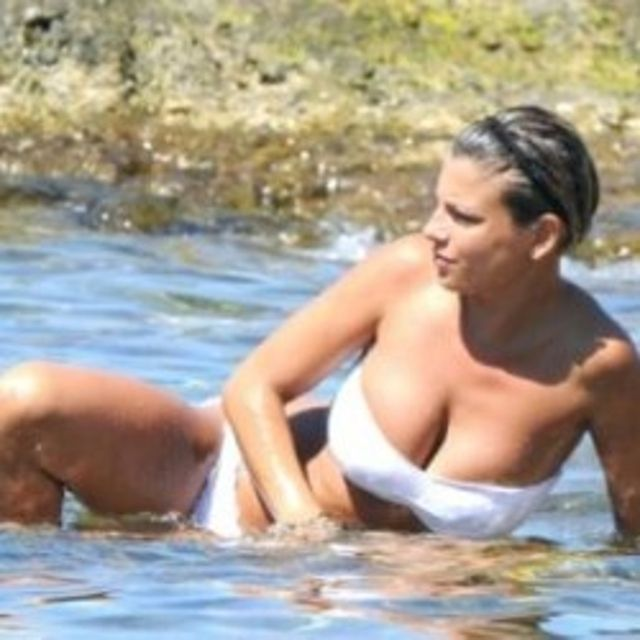 Emma Marrone bikini 01