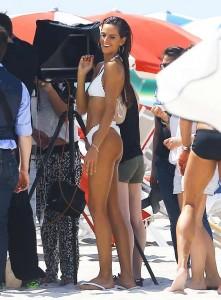 Izabel Goulart bikini 05