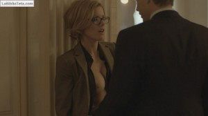 Kathleen Robertson - Boss 1x02 - 01