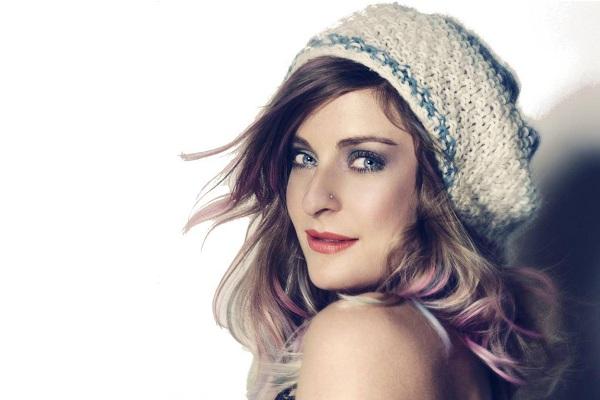 Molly Smitten-Downes - REINO UNIDO 01