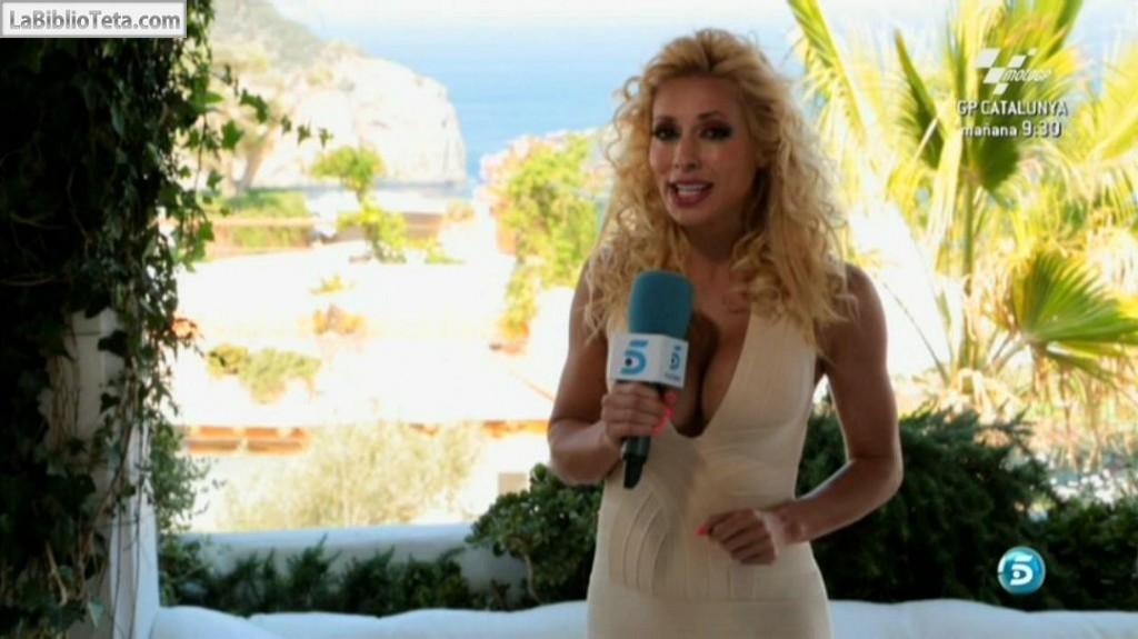 Carolina Alcazar - Mas Que Coches 01