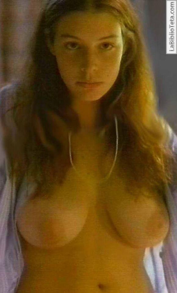 Jessica Pare - En Vacances 01