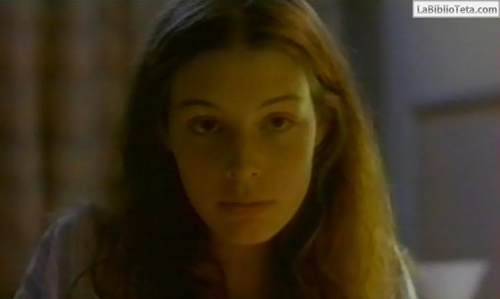 Jessica Paré Desnuda En En Vacances 2000