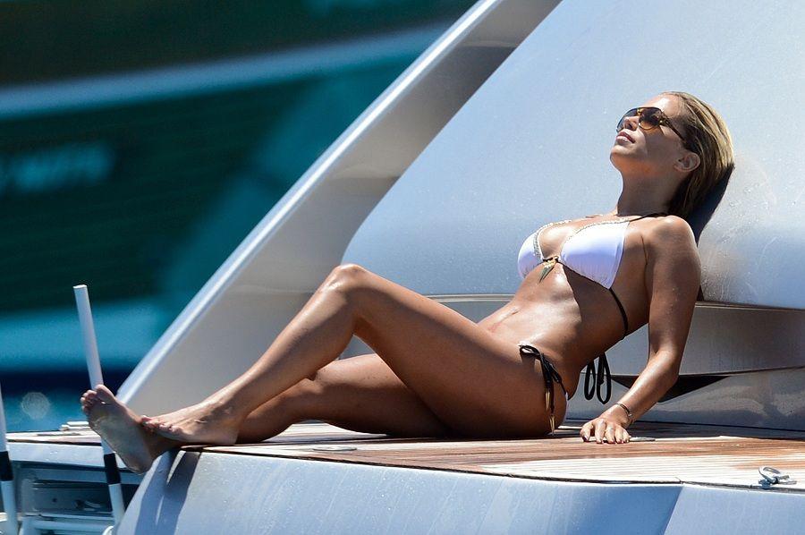 Sylvie Van Der Vaart - Formentera 01