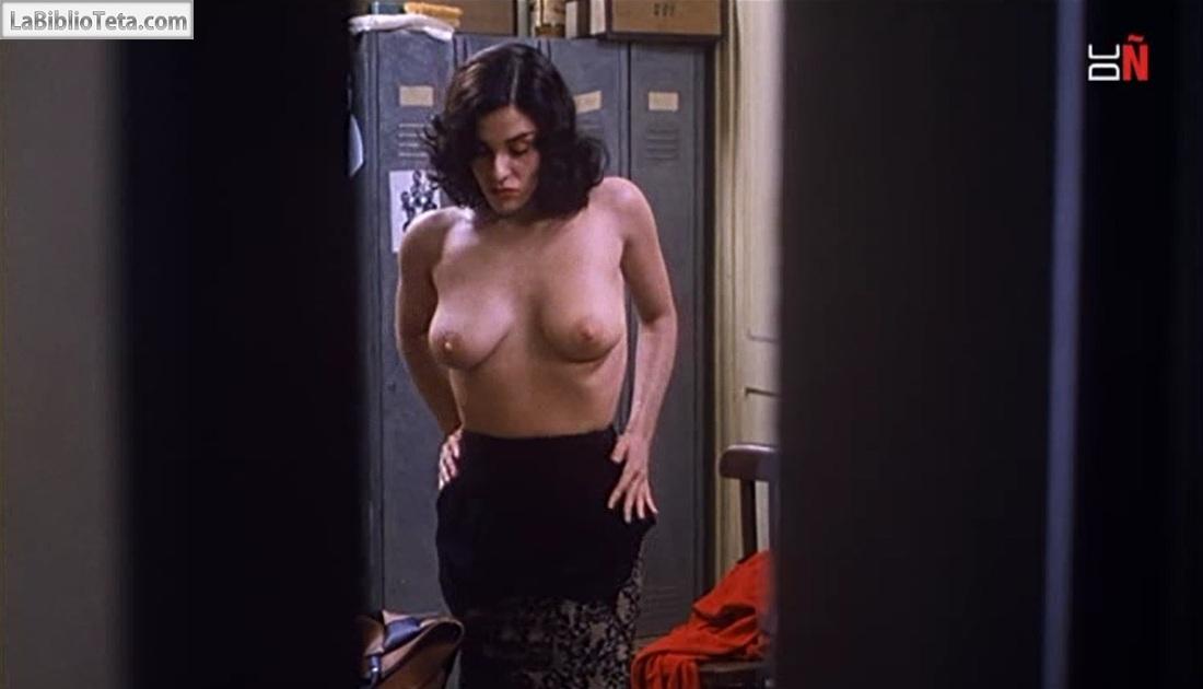 Upskirt en el cine - 1 6