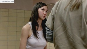 Kimiko Glenn - Orange Is the New Black 2x13 - 01