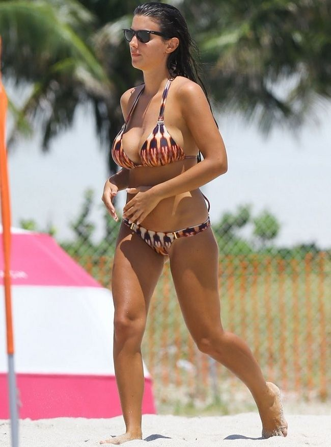 Ludivine Sagna bikini 01