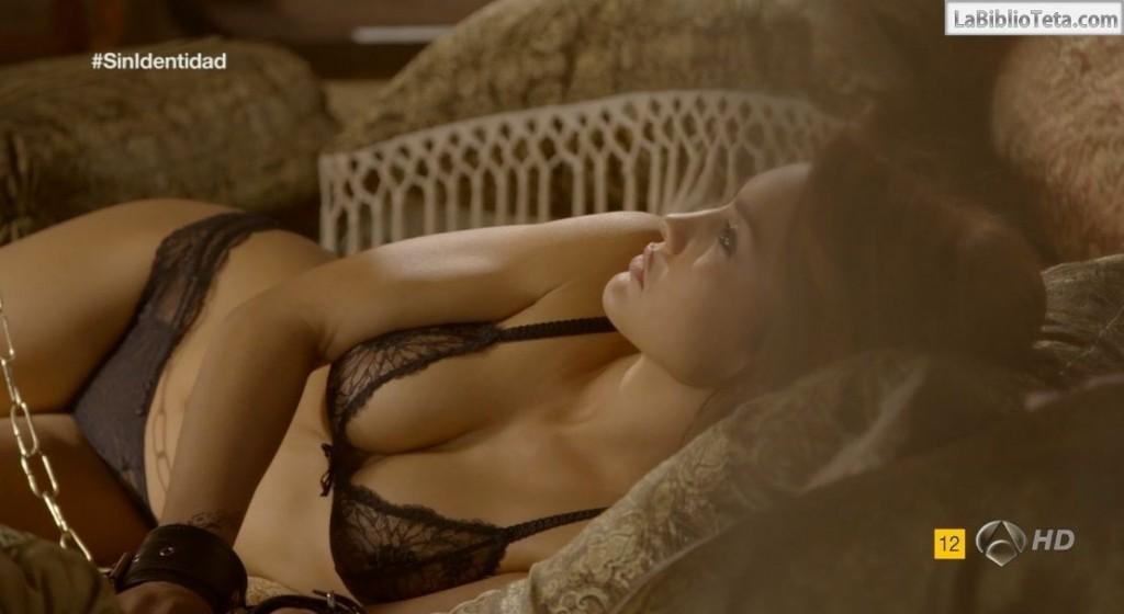 Megan Montaner - Sin Identidad 1x09 - 01