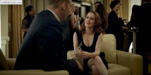 Rachel Brosnahan - House of Cards 1x10 - 01