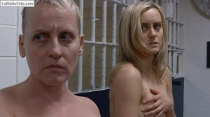 Taylor Schilling - Orange Is the New Black 2x01 - 01