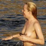 Dakota Johnson Topless Italia 06