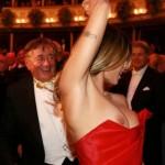 Elisabetta Canalis - Opera malfunction 04