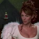 Elizabeth Hurley - Al Diablo Con El Diablo 12