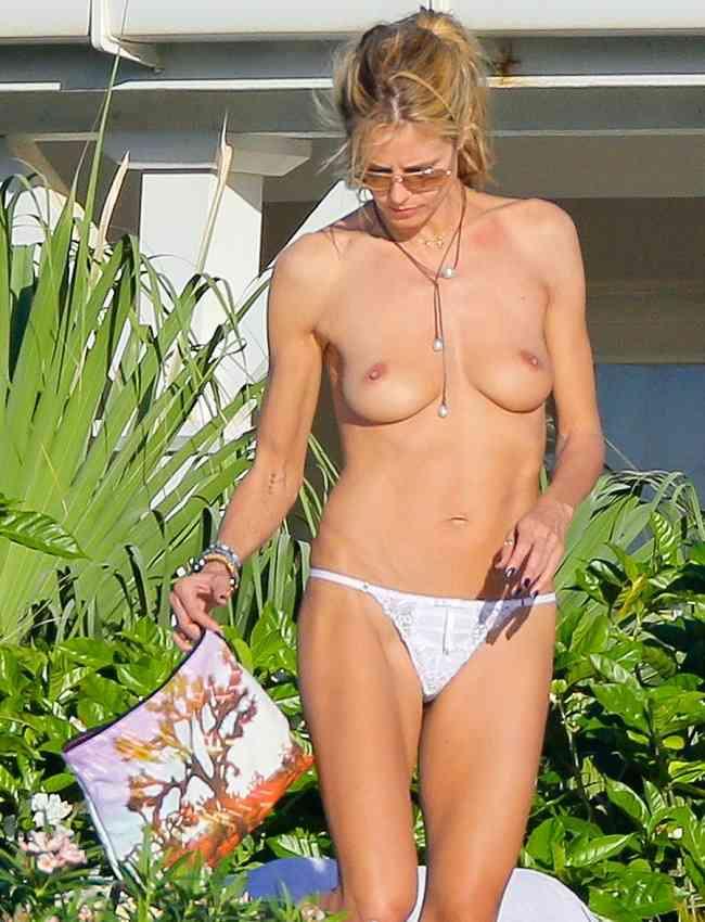 Heidi Klum topless - Saint Barts