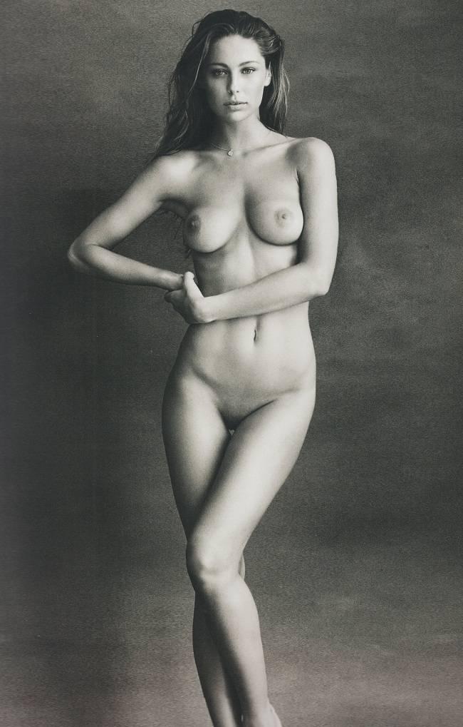 Mathilde Goehler Posa Desnuda Ante La Cámara De Bjarke Johansen