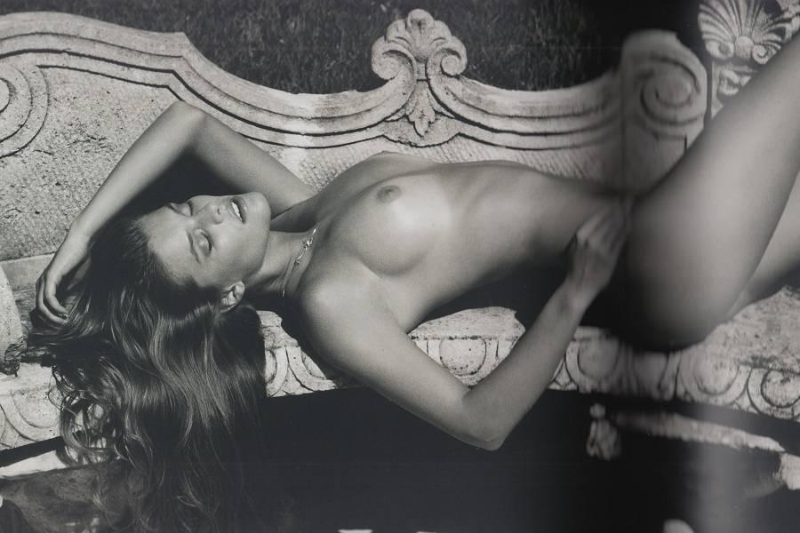 Nina Agdal topless 01