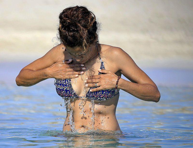 Patricia Perez bikini 01