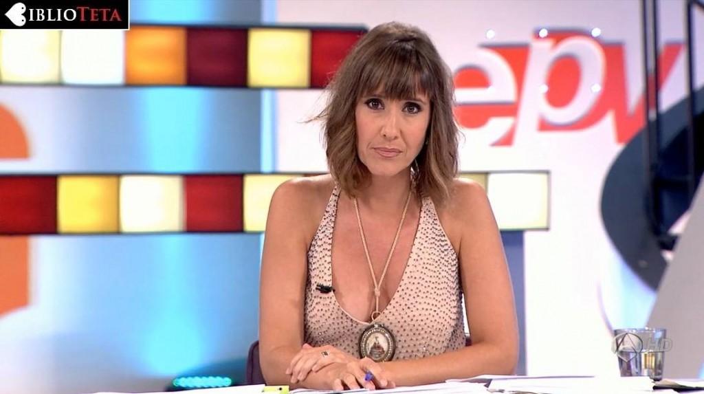 Sandra Daviu - Espejo Publico 01