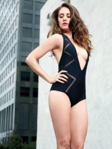 Alison Brie - GQ Mexico 09