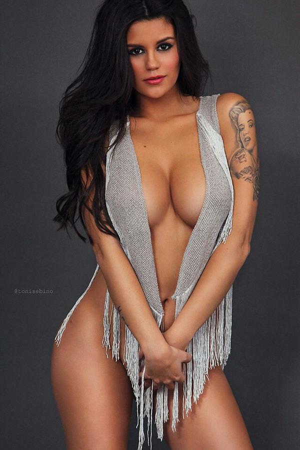 Lola Ortiz Twitter 01