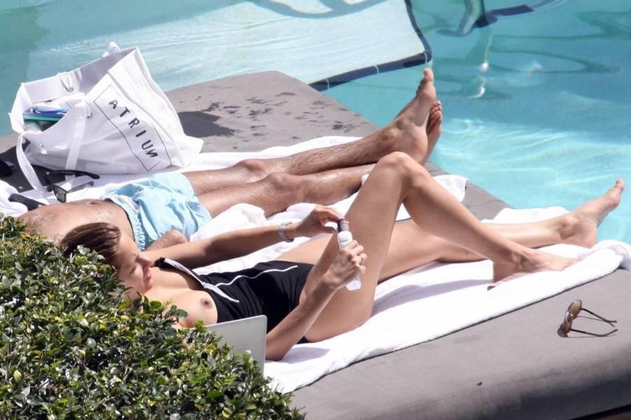Melissa Theuriau topless Miami 01
