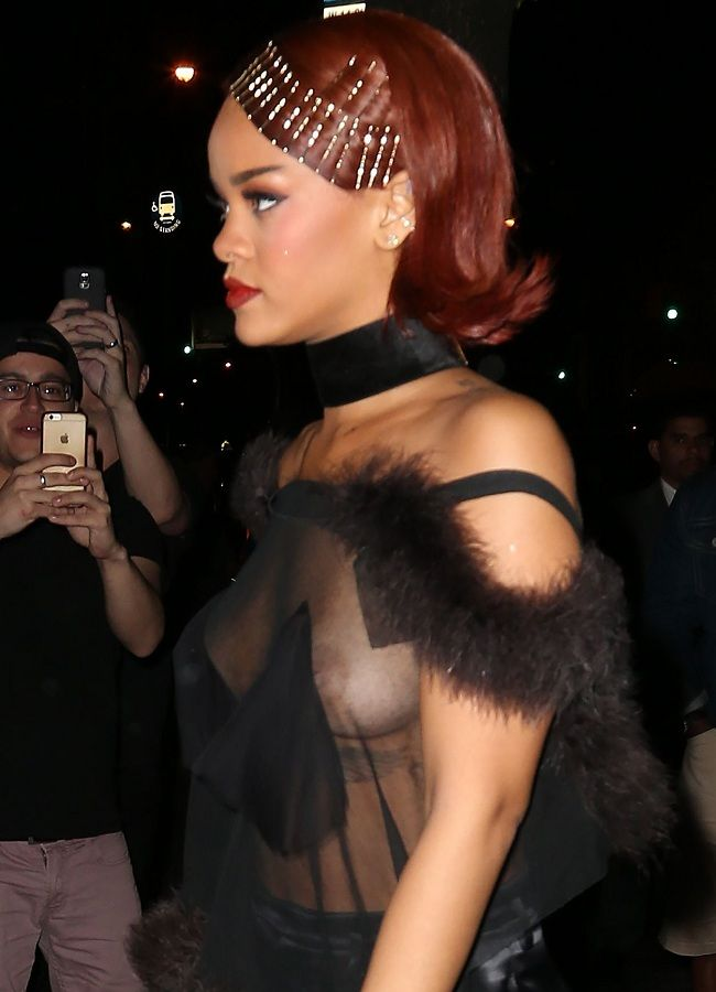 Rihanna - MET party 01