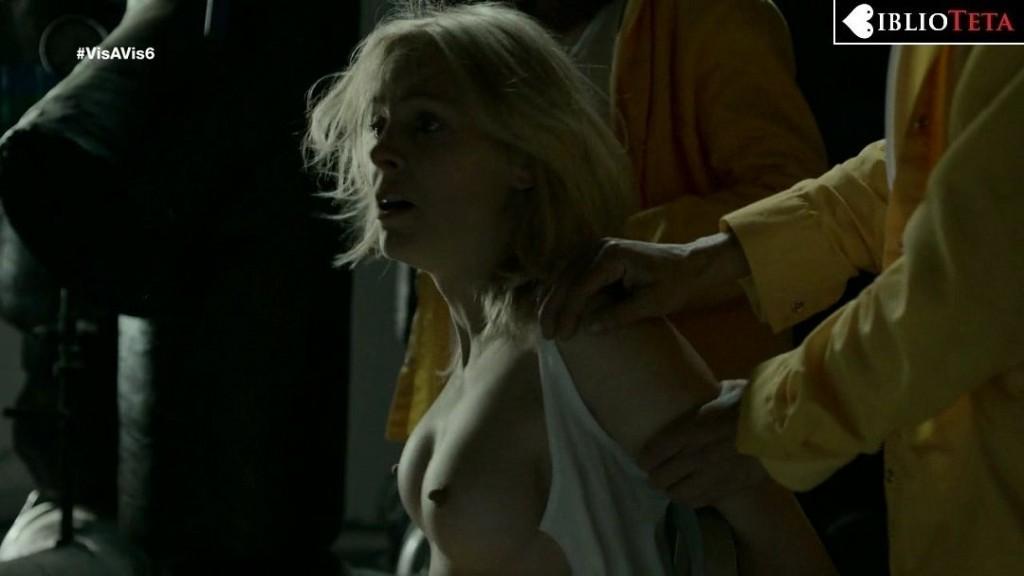 Maggie Civantos - Vis a Vis 1x06 - 01