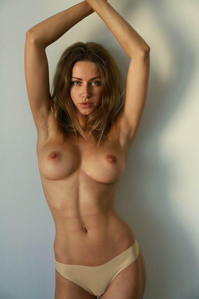 olga alberti y su espectacular desnudo integral para mike