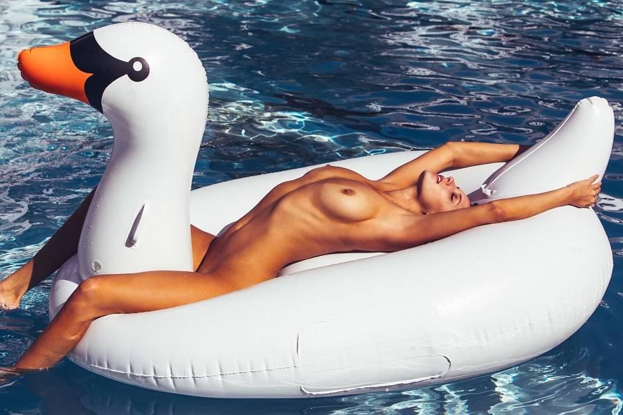 Alyssa Arce - dModa 01