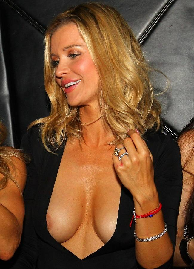 EXCLUSIVE: Joanna Krupa has a girls night out at Mynt Lounge in Miami