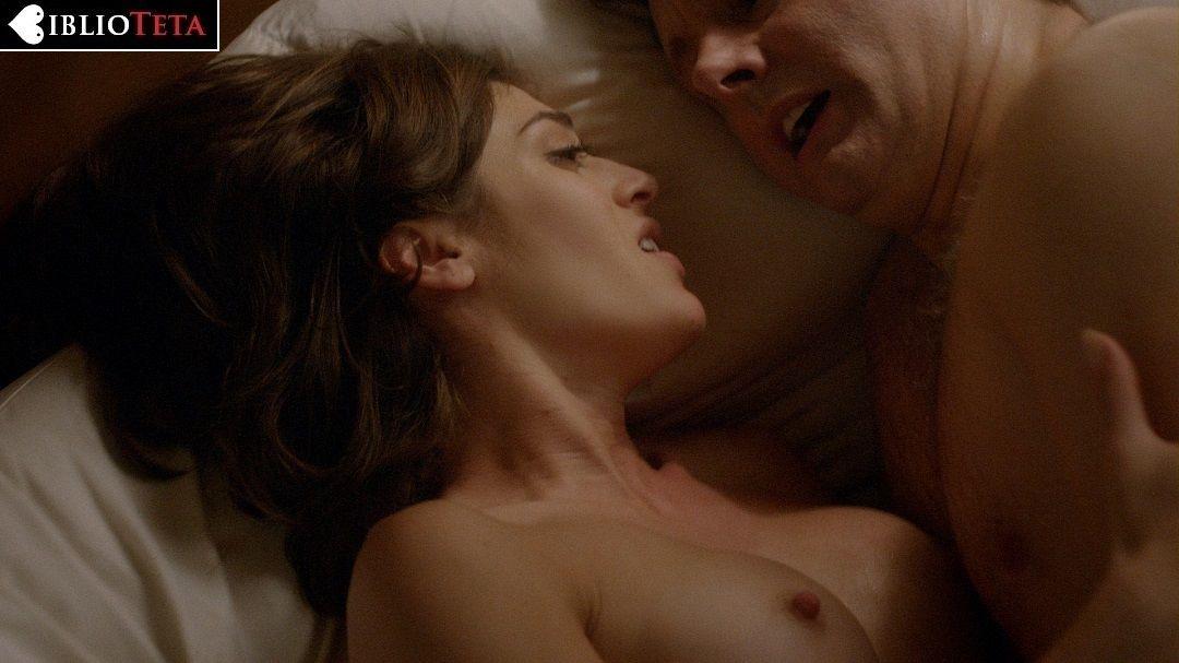 Lizzy Caplan desnuda - Fotos y Vídeos -