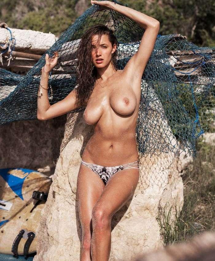 Alyssa Arce - Gleg Krohn 01