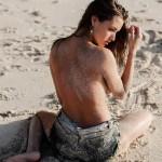 Alyssa Arce - Gleg Krohn 09