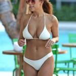 Devin Brugman - bikini blanco 03