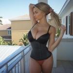 Lindsey Pelas 02