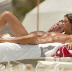 Manuela Arcuri - topless Miami 03