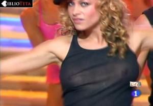 Paulina Rubio - Nochevieja 2004 - 06