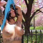 Bonnie Rotten - New York topless 03