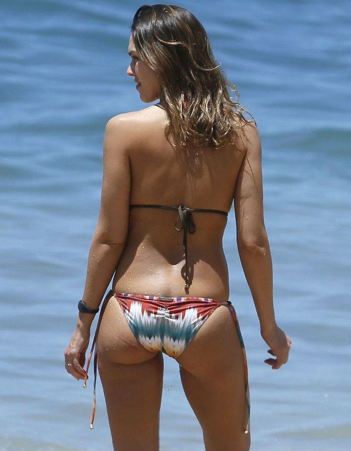 Jessica Alba - Hawaii 01