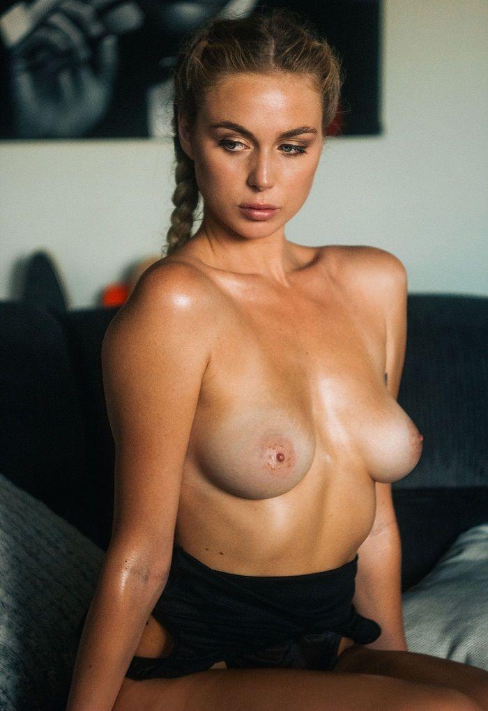 Paige Marie Evans - Rama Dolman 01
